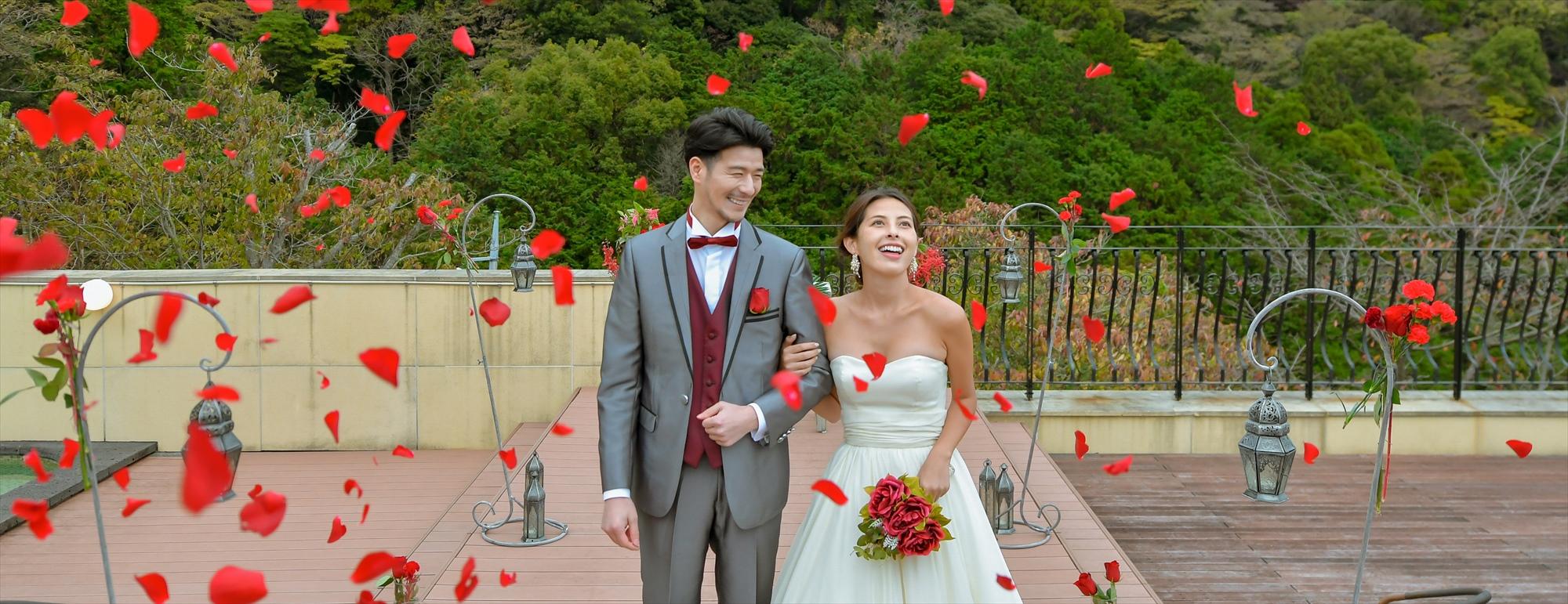 熱海結婚式 一棟貸切プライベート挙式 Atami Resort & Spa Private House Wedding  熱海リゾート&スパ貸切挙式 フラワーシャワー
